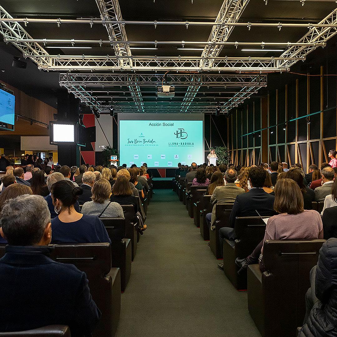 250 personas en subasta solidaria Acción Social Grupo Llona